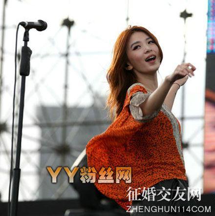 田馥甄老公是誰 田馥甄同性戀被踢爆女友鍾若涵身份背景照片曝光