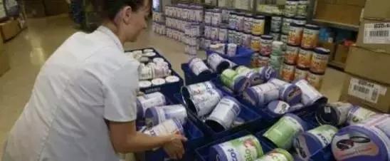 警惕!有買這個牌子的注意了!!「毒奶粉」重出江湖,7000噸奶粉受污染!中國、法國在緊急召回!