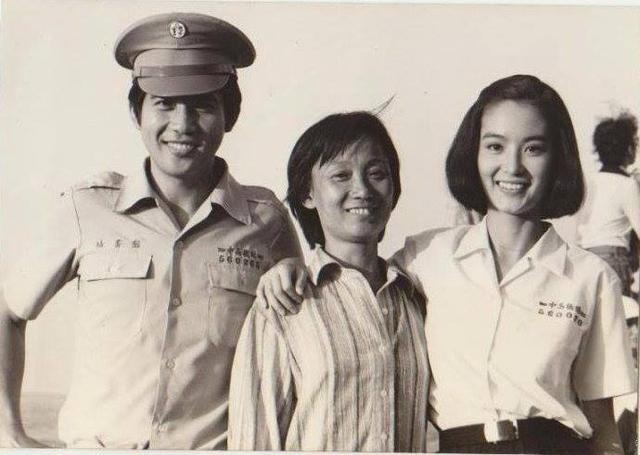 71歲秦漢魅力不凡當年林青霞與他苦戀18年如今翁虹為他左右為難
