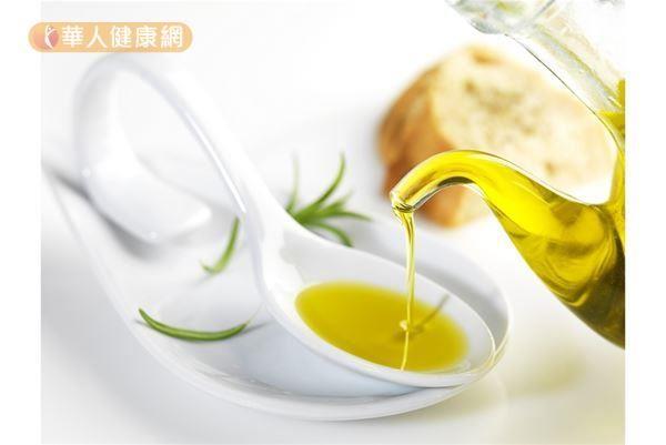 以橄欖油為主的地中海飲食文化,研究發現,對於抗老化、保護心臟、預防腦部退化等有幫助。