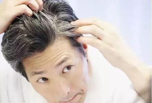 白頭髮長在這個地方,說明你身體出問題了,你必須注意的危險信號!