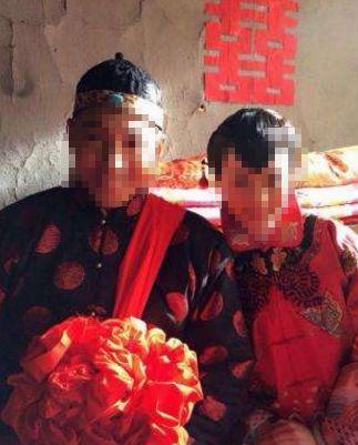 乞丐到家中向女孩求婚,父母得知乞丐身份後,要求女兒跟他結婚