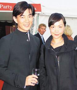 50歲任賢齊的兒女顏值爆表,被記者拍到這一幕證明他是最好男人