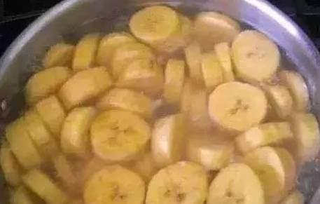香蕉煮水加上一點它,比安眠藥還厲害,一覺到天亮,趕緊轉給身邊失眠的人