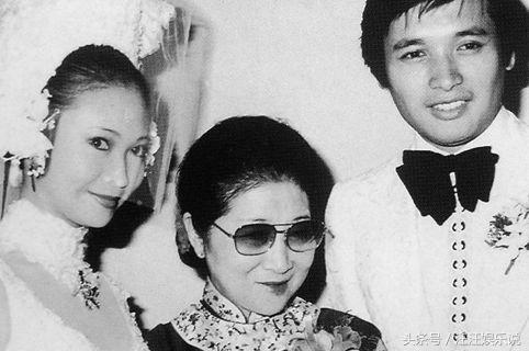 69歲秦祥林全家近照,揭秘其風流的四段感情兩段婚姻,今不忍直視