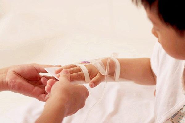 兒科醫生的良心建議:面對退燒針,每一位家長都要說「不」!輕則癲癇,重則致死!