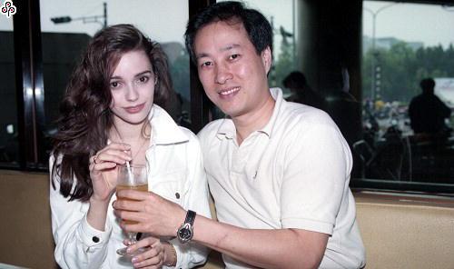 他是昔日台灣第一代偶像劇男主角!淡出螢幕20年,近日驚傳發瘋出家當和尚!媒體找到卻發現他過這樣生活!