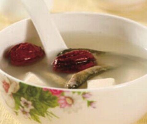 手心出汗的根源竟在脾胃!三個小湯方,喝下去很快就能好!
