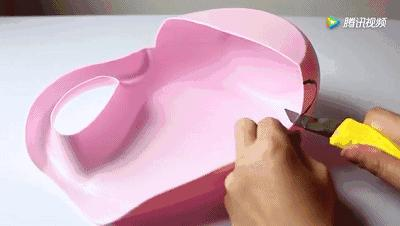 誰還買熨斗啊,洗衣液瓶剪2刀,衣服1秒變平整,太聰明了!