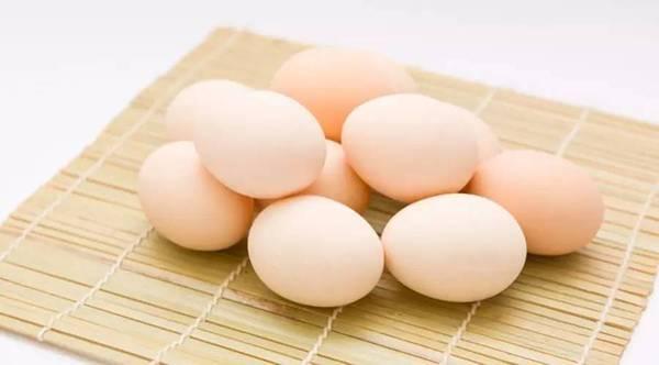人人都吃雞蛋,卻不知道雞蛋「加一寶」,就能「甩掉老花眼」!這樣吃效果更佳!