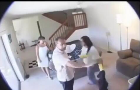 懷疑妻子出軌!男子在家安裝攝影頭,竟然看到驚人的一幕~~~!!!