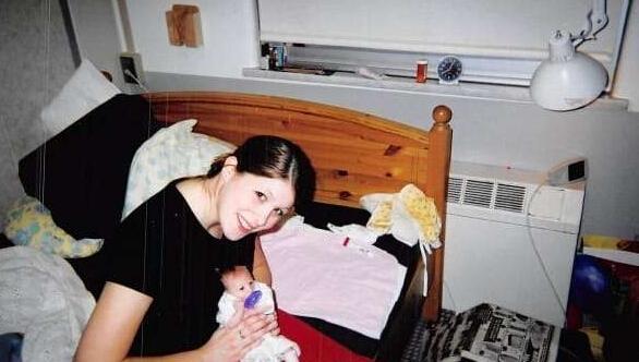 出生不久後醫生就判了這女孩「死刑」,沒想到12年後她的樣子居然變成...