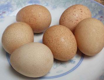 這種雞蛋不要買, 更不要吃, 記得告訴家裡人