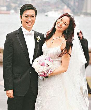 還未成年時她就被豪門看上,22歲結婚花了7個億,十年內連生四胎