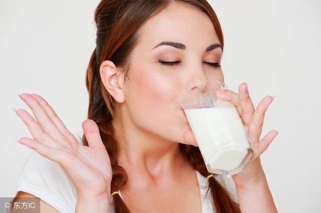喝牛奶好處多多,但並不是人人適宜,這幾種人不宜多喝