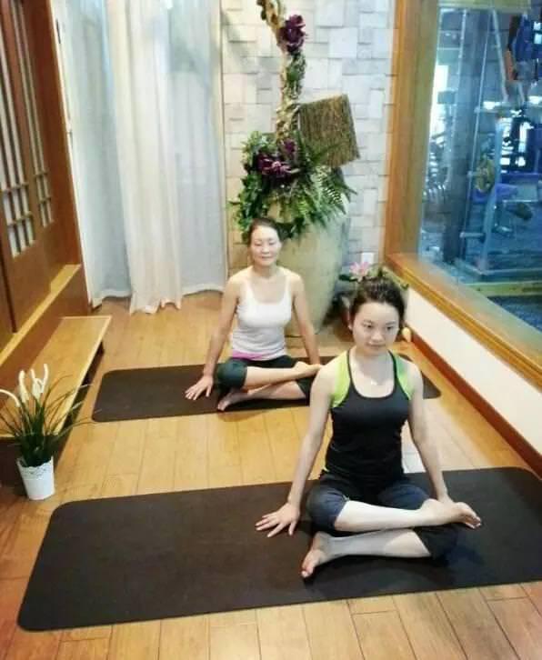 新手入門「瑜伽25式」,每天練一次,肩頸痠痛全消除!