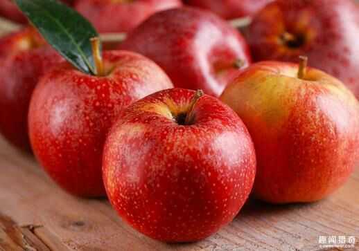 醫生告誡:蘋果千萬不能和「它」一起吃!比砒霜還毒,嚴重腎衰竭!一次轉發,救人無數!