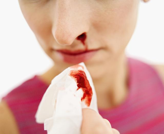 醫生告誡:「中風」病發前有五個前兆,早知道或許能保命!
