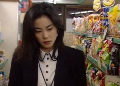 王菲近照曝光,竟老成這樣子,網友:不敢相信謝霆鋒還喜歡她!