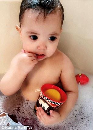 2歲小女娃「黑亮水汪汪大眼」爆紅全網 醫生「一眼看出不對勁」警醒全球父母:這有問題