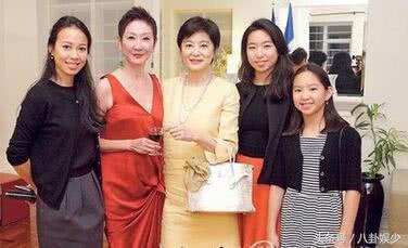 看看趙雅芝的3個兒子,再看看林青霞的3個女兒,差距一目了然!