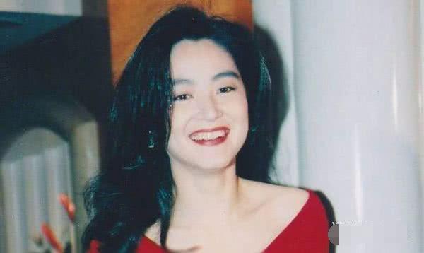 63歲林青霞被曝與邢李原離婚,丈夫在外有新歡或因她未能生出兒子! -雪花新聞