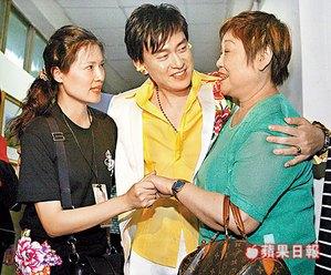王識賢當年「娶酒店小姐」和母斷絕媽媽還詛咒懷孕媳婦「母女死在手術台上」結婚13年如今 -