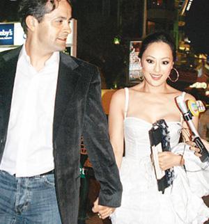 55歲章小蕙發福似大媽,敗光前夫前男友財產,19年未婚成億萬富婆