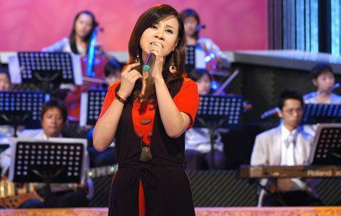 女兒自殺、父親去世、兒子車禍,如今57歲的她不得不重返歌壇!