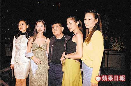 【香港三級片女星重生】90年代火紅脫星曾當富商乾女兒,息影后在快餐店當清潔工,如今她…