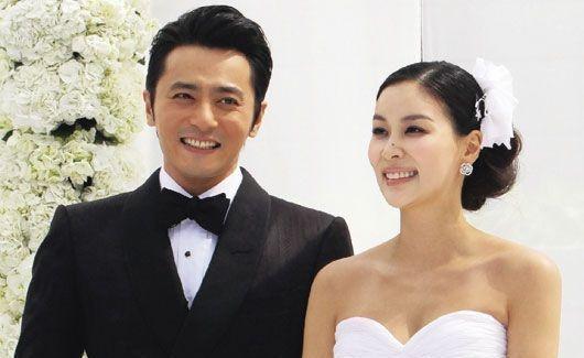 「吃軟飯」不敢離婚的五位男明星,妻子都是億萬富翁