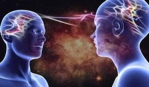 心理學家:當你正在想念一個人的時候,對方也一定會有感覺