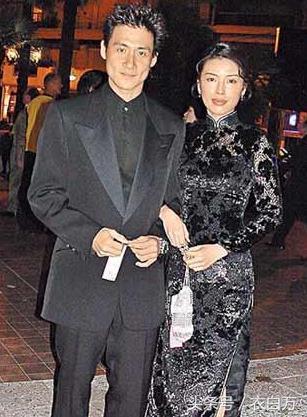 56歲歌神張學友和小四歲妻子近照,真的老了,卻坐擁16億的豪宅