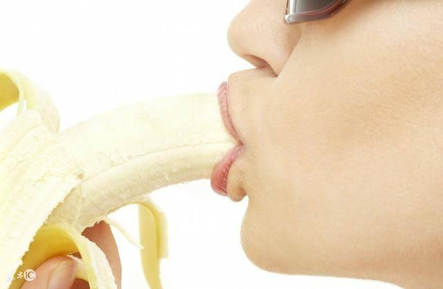 香蕉致癌?!女大生患大腸癌喪命!醫生告誡:香蕉和它一起吃比「砒霜」還毒!