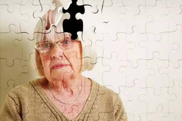 快收藏吧!老年痴呆很可怕,預防原來這麼簡單,可惜大多數人不知道!