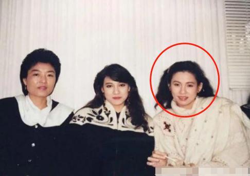 曾齊名林青霞,為生子花800萬做19次試管均失敗,離婚後風采依舊