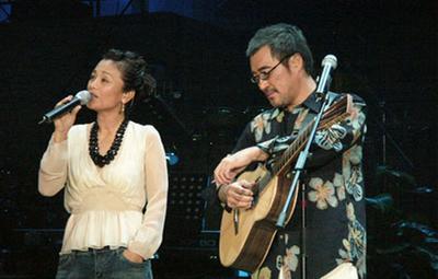 拋妻棄子愛上林憶蓮,被稱為「音樂渣男」,如今60歲娶33歲嬌妻