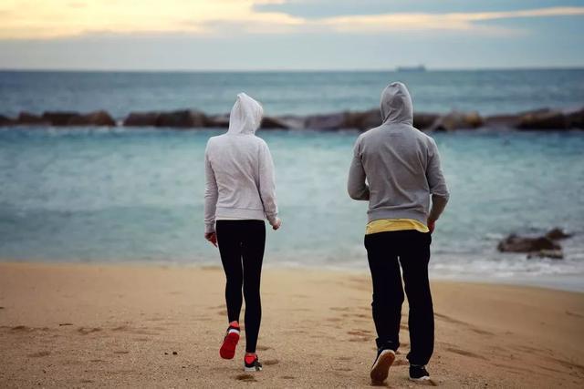 """""""飯後散步""""指的是飯後過多久? 4類人要比別人更謹慎"""