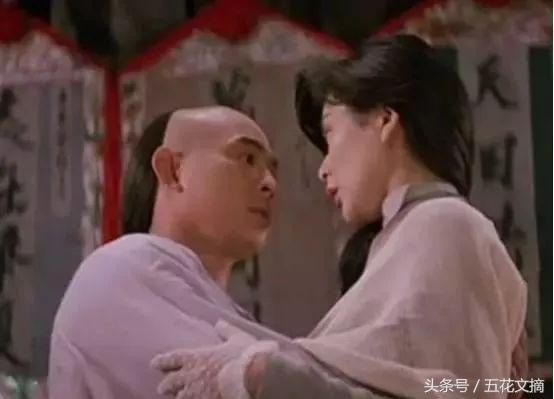 李連傑老婆利智近照曝光, 看了照片後, 網友: 怪不得李連傑身體這麼弱!