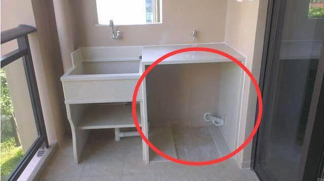 鄰居家在陽台裝了一個洗衣池,每個月電費比我總少一半,太聰明了