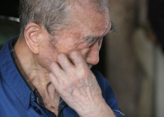 臺北阿公被兒子趕出家,早餐店老闆好心收留,老人說出一秘方,店老闆樂開花,三個兒子悔斷腸