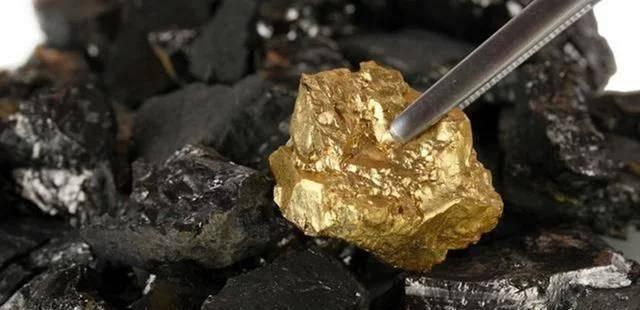 這裡藏有1000億噸黃金,夠全人類花50萬年,為何從沒有國家敢挖?看完總算明白了!