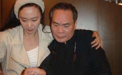 曾是金牌編劇,與妻子相識三天求婚,65歲墜樓身亡妻子守寡八年