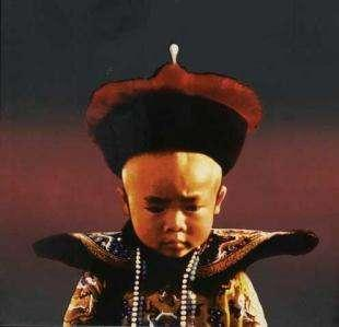 溥儀晚年去上戶口,家庭住址嚇壞戶籍員,文化程度讓人尷尬無比!