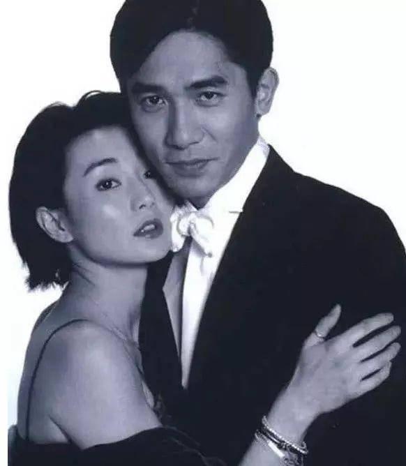 54歲的張曼玉被曝搬往平民區,一耳竟有八個耳洞,欺騙了娛樂圈18年終於坦白了終生不嫁的理由:真愛一個人要默默祝他幸福