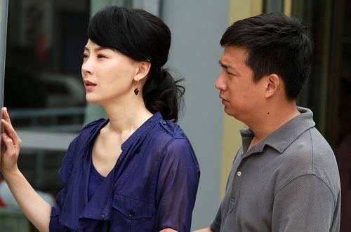 不退聘金就打!臺北女離婚當天慘被打,含淚怒撥電話,隔日老公全家登門跪下