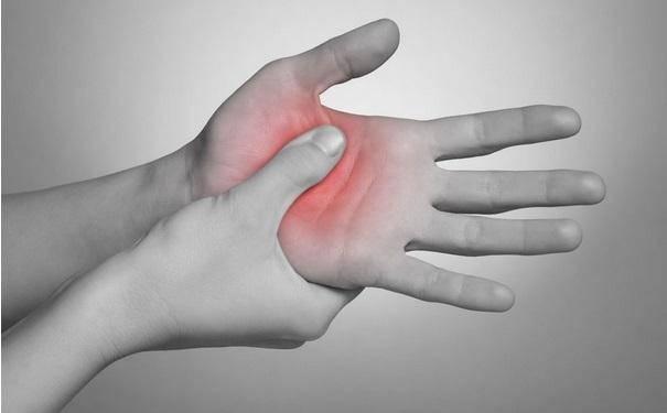 很多人因此「惡習」患上痛風!醫生:它才是尿酸高的兇手