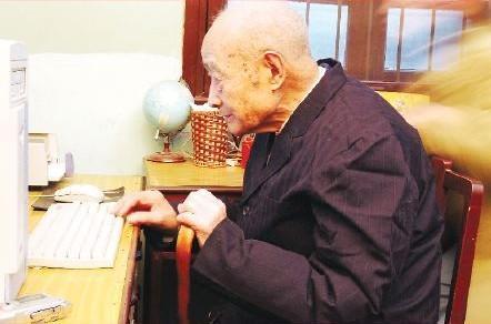 最簡單的長壽法是什麼? 世界最長壽教授,傳授不老的養生智慧!