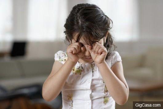 媽媽生我時難產去世,重男輕女的父親把我丟給小姨養大,多年後,小姨毅然嫁給第三婚的爸爸,得知真相後的我嚎啕大哭.....