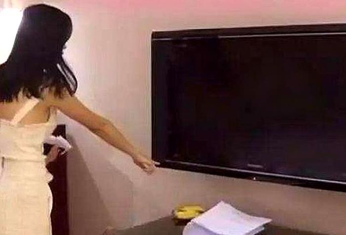 女前臺離職後才敢透露:情侶入住酒店,最好拔掉這個「電器」插頭
